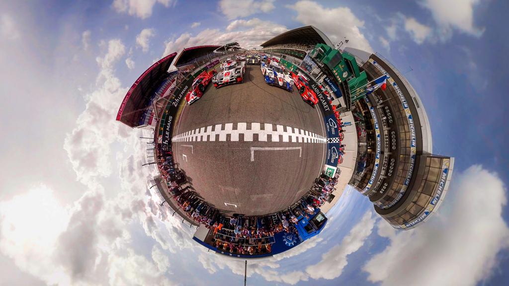 LeMans-Globe-Racetrack-SkyBox