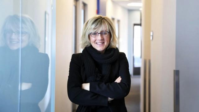 VeeR TV Interviews Mettle co-founder Nancy Eperjesy